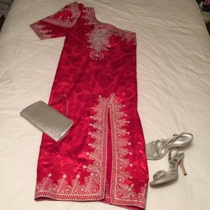 Dresses & Skirts - Custom made? Unique dress, no tags or size